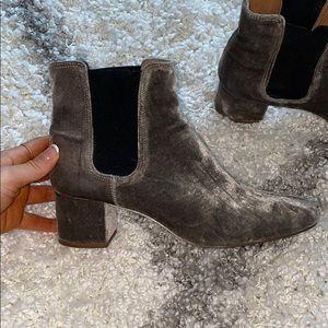 Madewell velvet booties size 8- hardly worn!